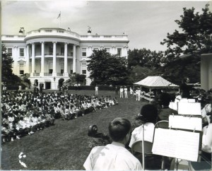 1970 DCYO at White House, photo by Louise Bucknell